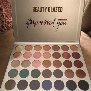 Beauty Glazed pressed powder eyeshadow palette